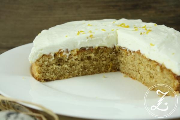 Mandel-Aprikosen-Kuchen mit Quark-Sahne-Frosting by Zuckergewitter