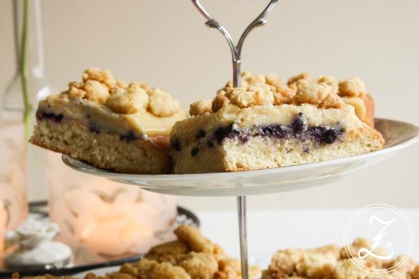 veganer Hefe-Pudding-Kuchen mit Heidelbeeren | Zuckergewitter.de