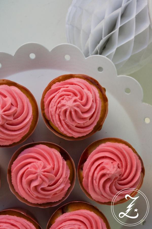 rosa Johannisbeer-Cupcakes | Zuckergewitter.de