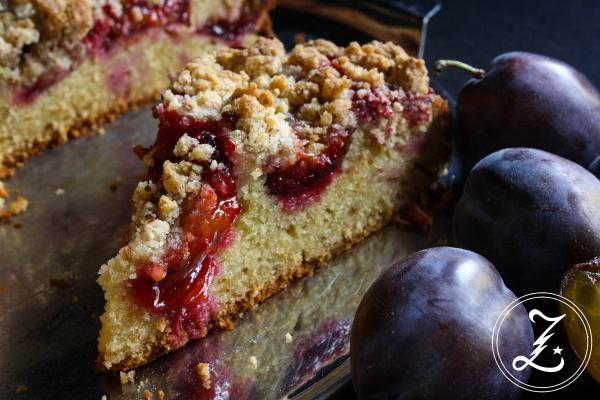 Eierlikör-Zwetschgen-Kuchen mit Mandelstreuseln | Zuckergewitter.de
