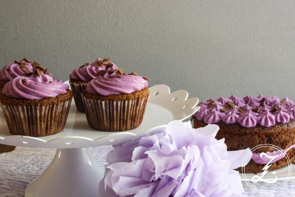 Schokocupcakes mit Heidelbeer-Quarkfrosting | Zuckergewitter.de