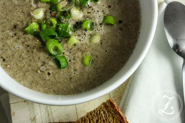 gesunde Champignon-Creme-Suppe mit Lauchzwiebeln | Zuckergewitter.de