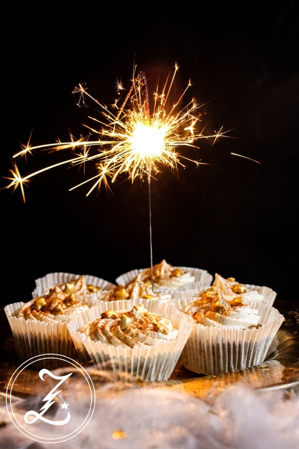 leichte Zimtstern-Cupcakes zum 1. Bloggeburtstag | Zuckergewitter.de