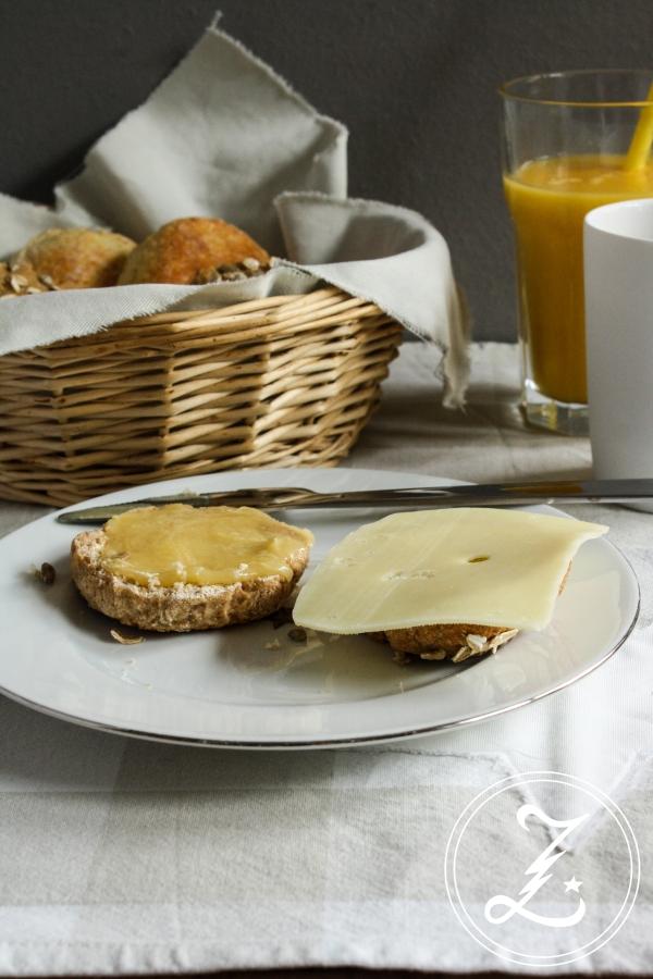 Quarkbrötchen 2.0 in einer süßen und einer herzhaften Variante | Zuckergewitter.de