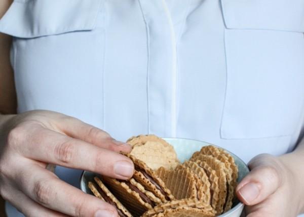 leichtes Eiskonfekt zwischen Dinkelknusperwaffeln | Zuckergewitter.de